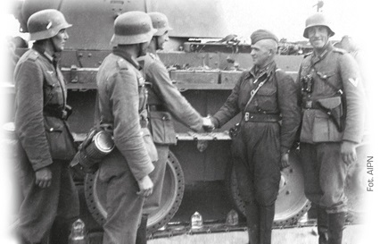 The plan of Poland's partition realised: soldiers of the Wermacht and the Red Army (in a forage cap) shook hands on Polish land, September 1939 (AIPN)