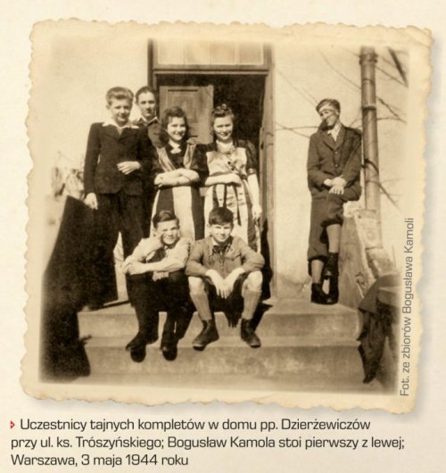 Participants of secret education in the house of Dzierżewiczowie by pr. Trószyński Street; Bogusław Kamola standing first from the left; Warsaw, May 3rd 1944