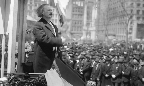 Ignacy Jan Paderewski delivers a speech at a gathering in New York, 1919 Photo: Wikimedia Commons
