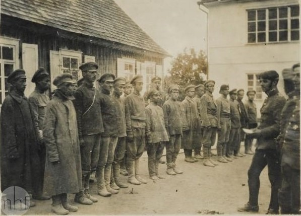 People, war and mathematics. The case of Bolshevik prisoners in the year 1920